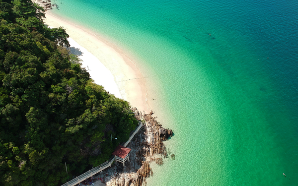 lake-sea-vacation-island-nature